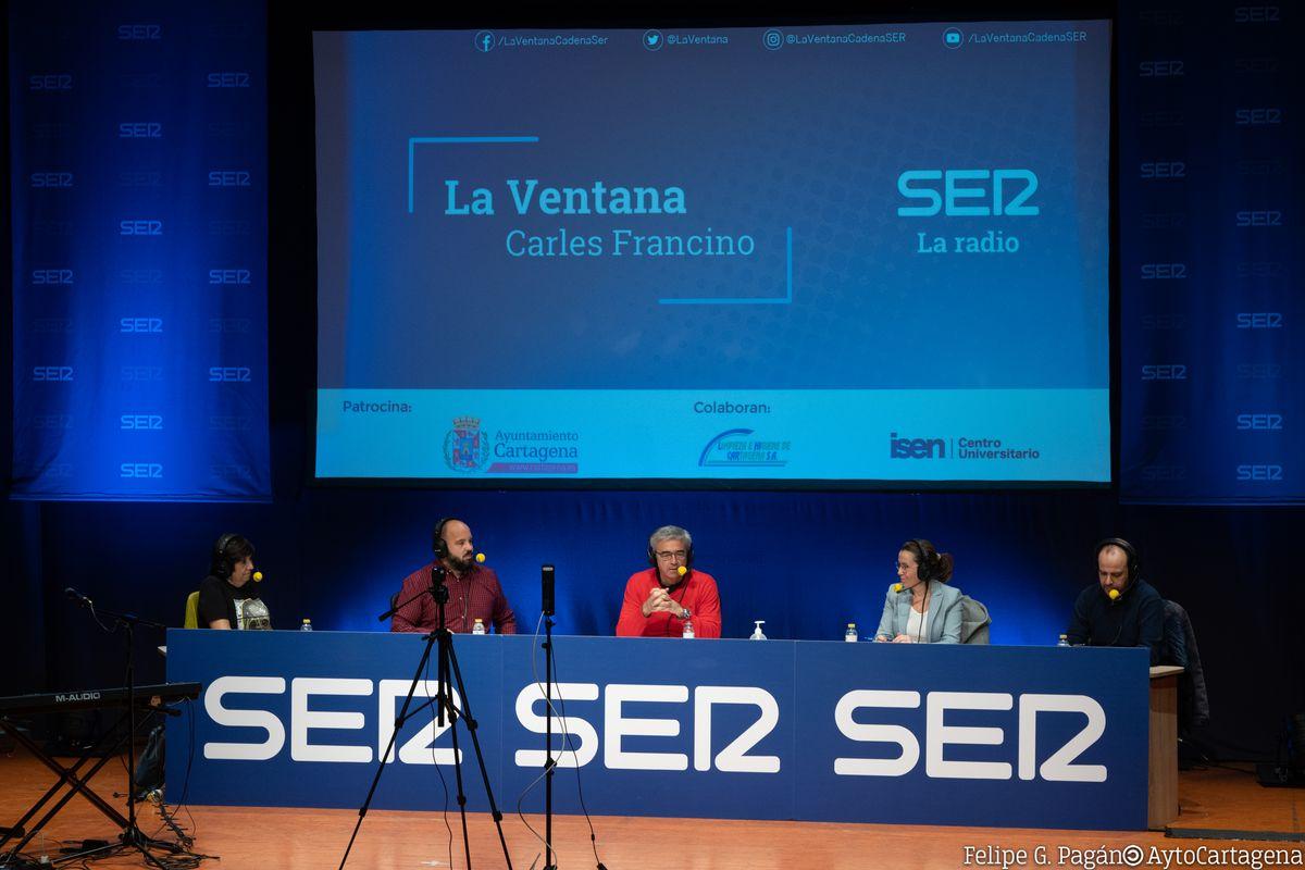 La alcaldesa en el programa La Ventana de la SER, con Carles Francino, desde El Batel