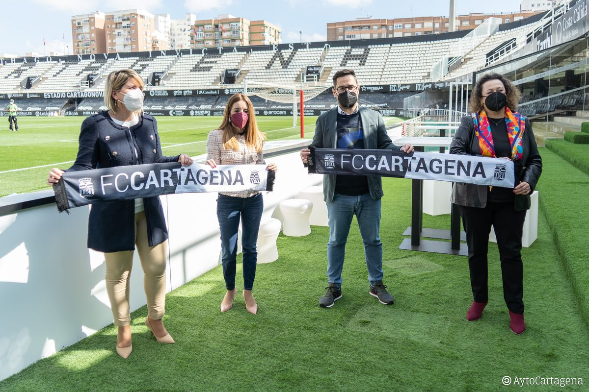 Firma del convenio entre el FC Cartagena y la Autoridad Portuaria