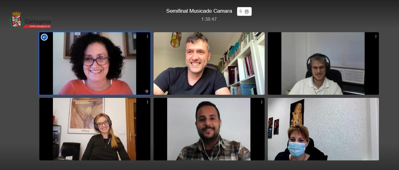 Deliberaciones del jurado de Entre Cuerdas y Metales, de manera virtual