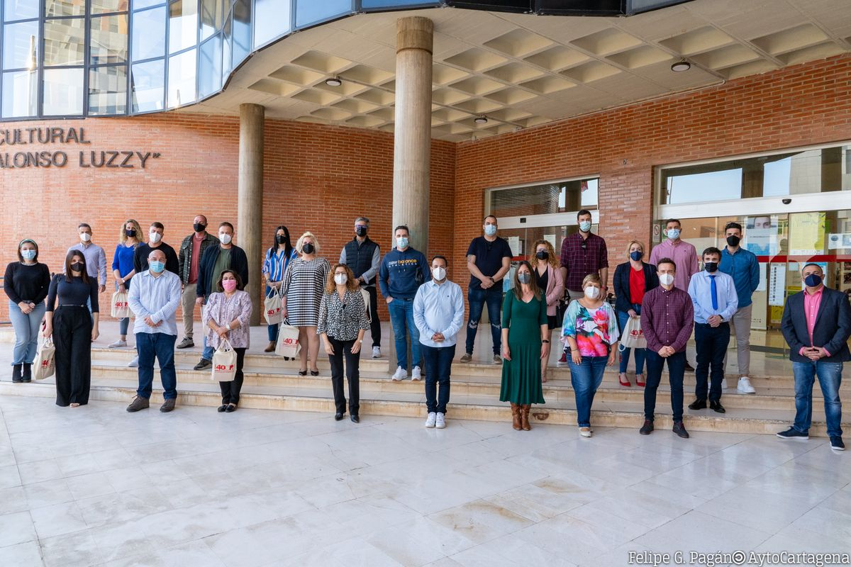 Entrega de diplomas de la Universidad Popular