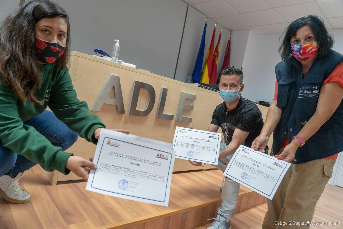 Diplomas Adle.