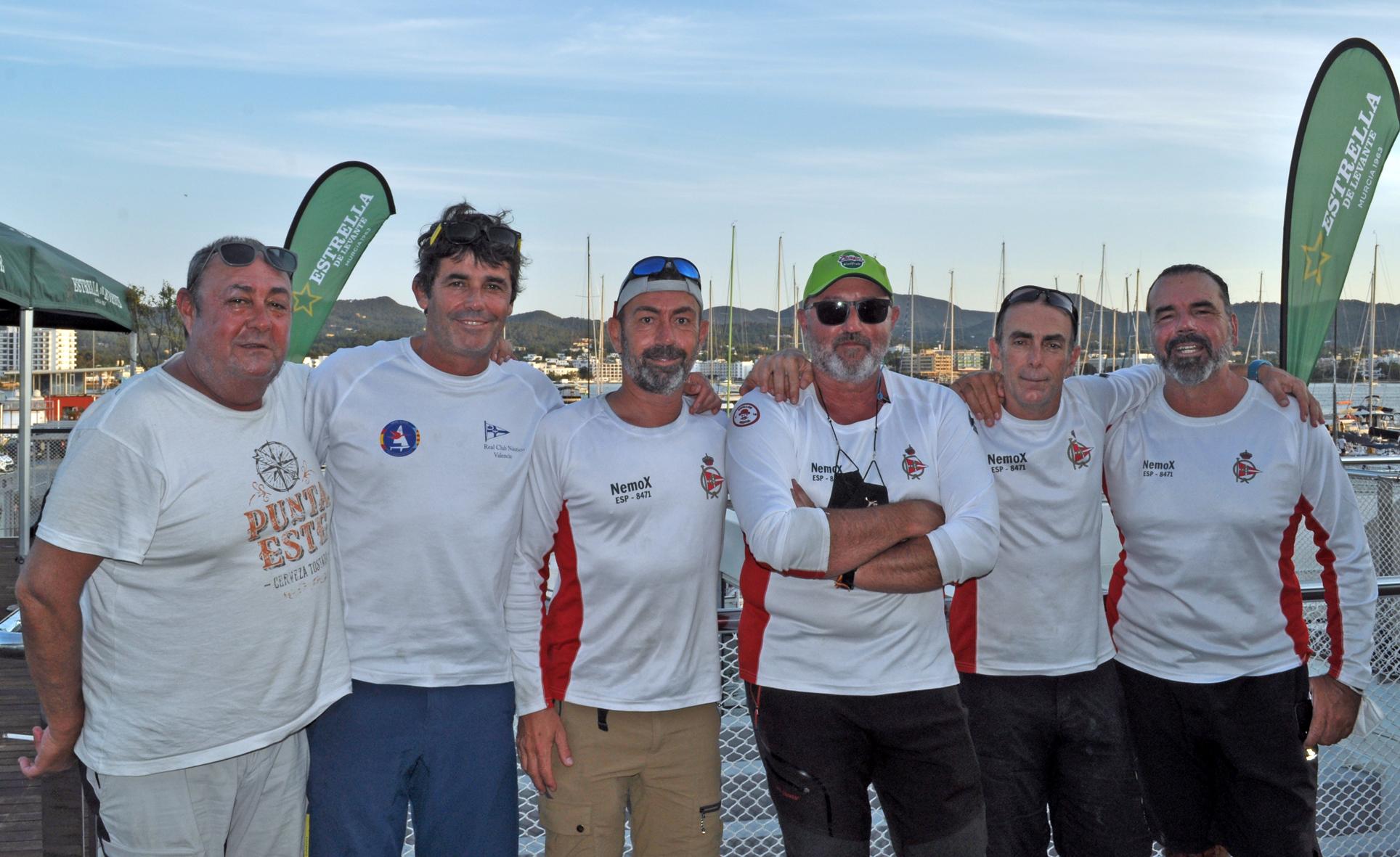 Tripulación del Nemox, vencedor de la Regata Cartagena - Ibiza 2021
