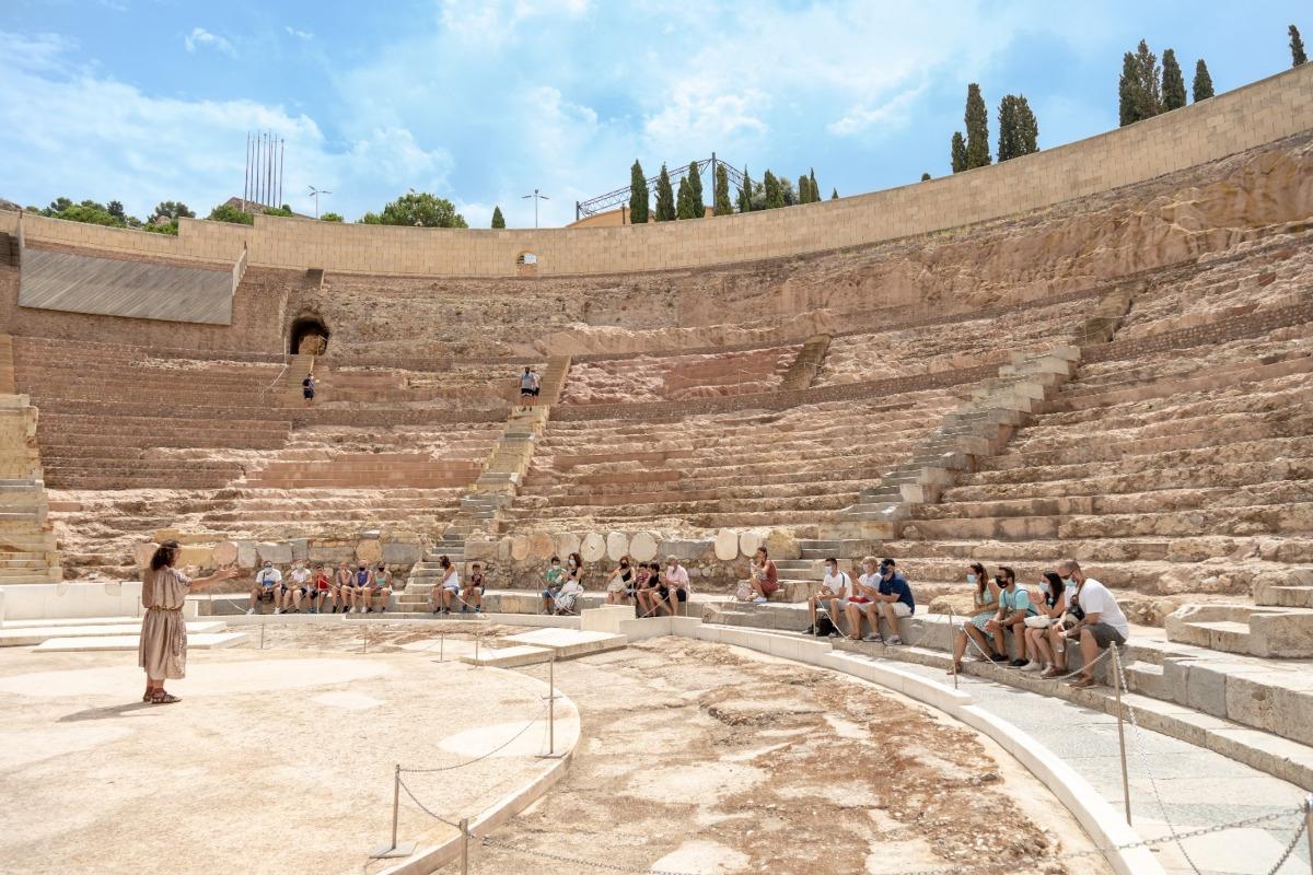 Visitas y rutas teatralizadas en el Teatro Romano