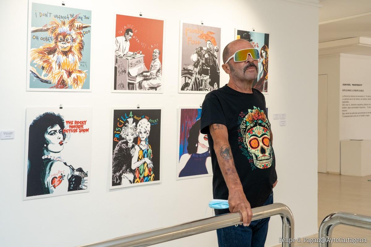 Juan Ros en la sala de exposiciones Domus del Portico