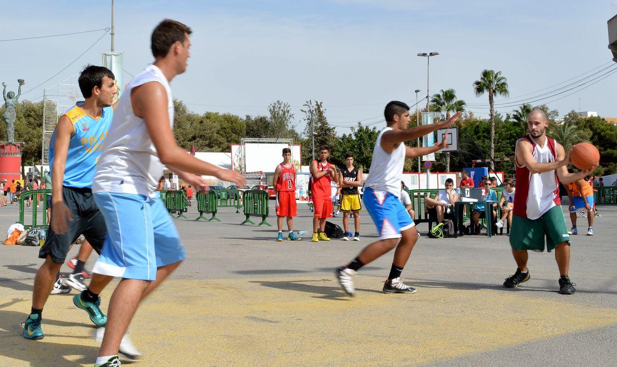Batalla Solidaria Deportiva en Carthagineses y Romanos