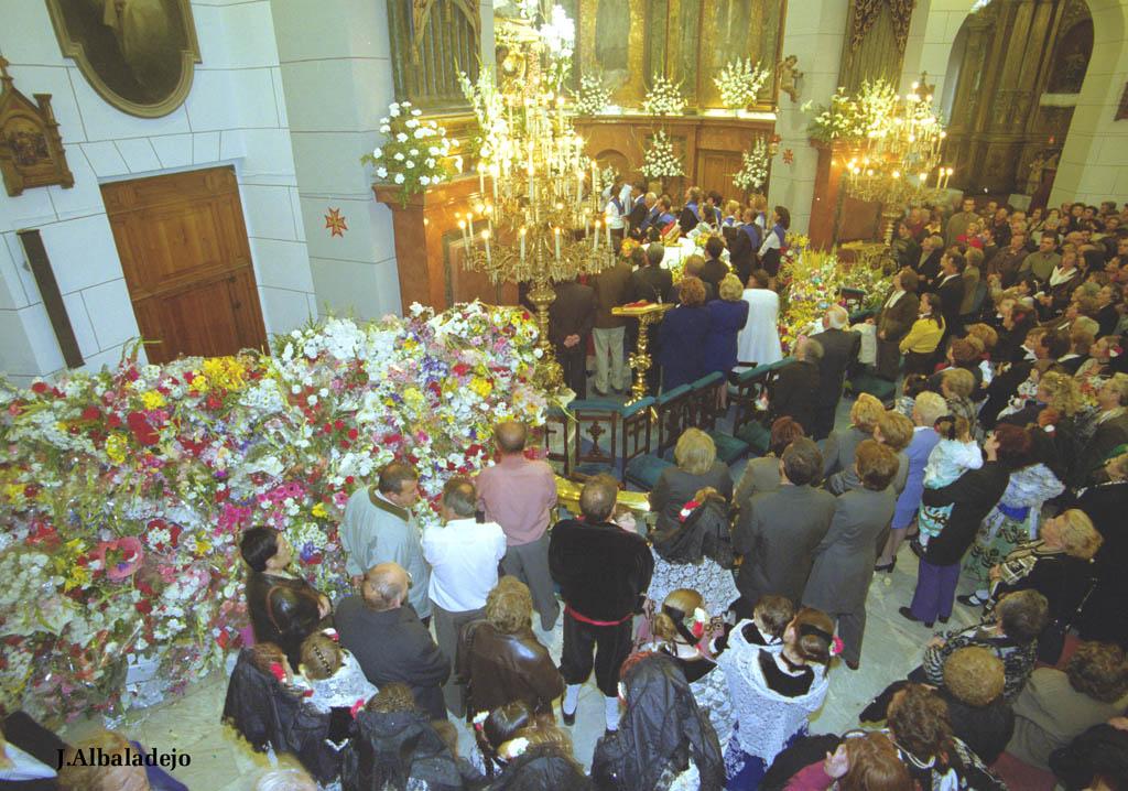 Ofrenda Floral a la Virgen de la Caridad