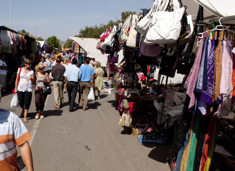 Imagen de archivo del mercadillo de Urbanización Mediterráneo