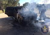 Incendio de vehículo junto al helipuerto de Santa Ana