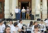 El Palacio Consistorial ya luce las banderas por la diversidad sexual con motivo del Orgullo LGTBI+