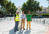El busto restaurado de Jiménez de la Espada ya luce en el Paseo Alfonso XIII, frente al instituto que lleva su nombre