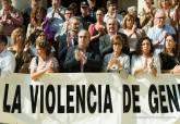 Minuto de silencio en repulsa al asesinato machista de Canteras