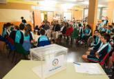 Alumnos de sexto del CEIP Virgen del Carmen explican a la alcaldesa y el concejal de Participación Ciudadana sus Presupuestos Participativos