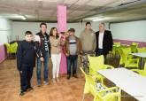 Visita de la alcaldesa y el concejal de Descentralización al nuevo local habilitado en los bajos del centro de salud de Los Mateos