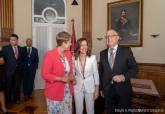 Ana Belén Castejón, junto a Noelia Arroyo y Manuel Padín