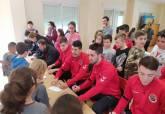Encuentro del programa ADE entre el Jimbee CT fútbol sala y los alumnos del Ciudad Jardín