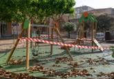 Los parques infantiles de juegos permanecerán cerrados de momento
