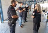 La primera mujer que ingresó en la Policía Local de Cartagena, Maricarmen Garrido vive su última jornada laboral