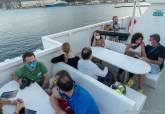 Paseos en barco al anochecer amenizados con música en directo