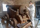 Trabajos de limpieza y restauración del cañón del Fuerte de Navidad