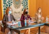 Reunión de la alcaldesa y consejera con asociaciones de comerciantes de Cartagena