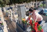 Medidas de seguridad a la entrada del cementerio de Los Remedios de cara a la festividad de Todos los Santos