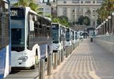 Presentación de los nuevos autobuses en la terminal de cruceros.