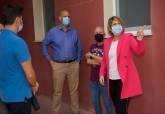 Actuaciones municipales en Nueva Cartagena, visitada por la alcaldesa, Noelia Arroyo