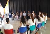 Los jóvenes de la Lanzadera de Empleo con el concejal de Juventud, Ricardo Segado - Ampliar imagen