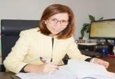 Foto de Ana Belén Castejón en su despacho - Ampliar imagen